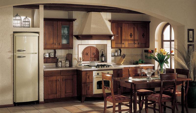 Arredamento cucine rustiche cheap cucina in abete vecchio - Cucina muratura rustica ...